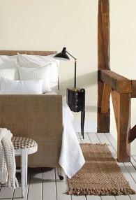 WhitewWood_Bedroom